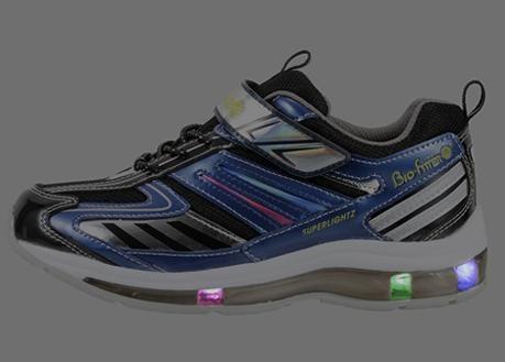 子供に人気の光る靴☆運動や通学に使えるキッズ スニーカーは通販がおすすめ♪